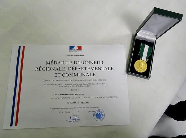 Une sympathique remise de médaille au Musée du Pays Châtillonnais-Trésor de Vix...