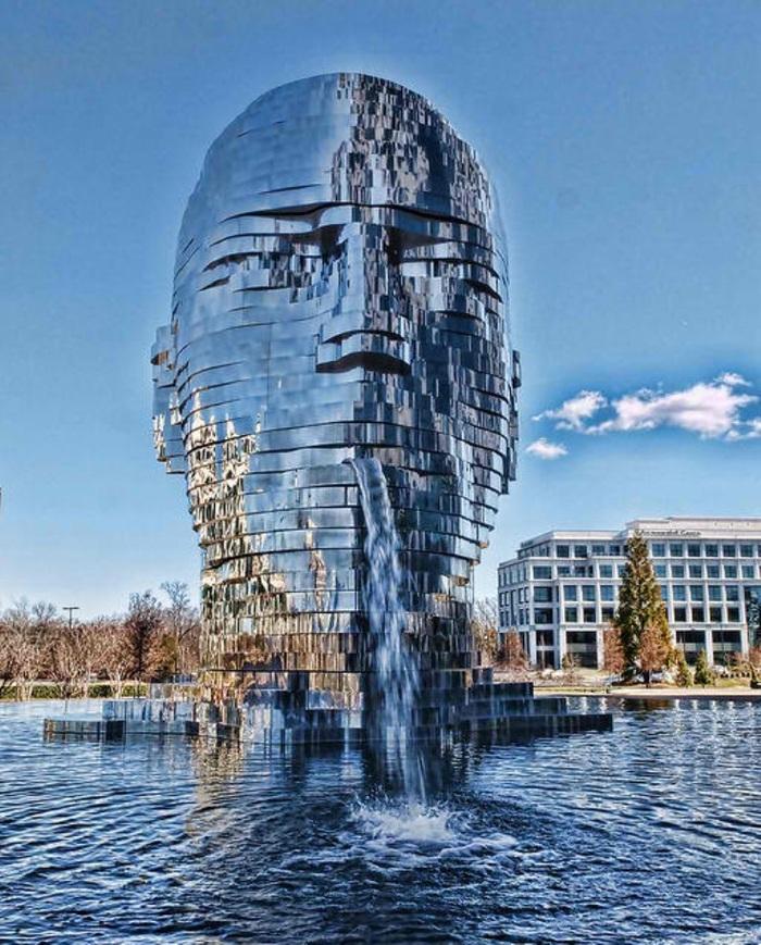 10 sculptures les plus étonnantes du monde entier