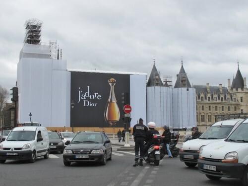 Palais justice bâche travaux Dior 2