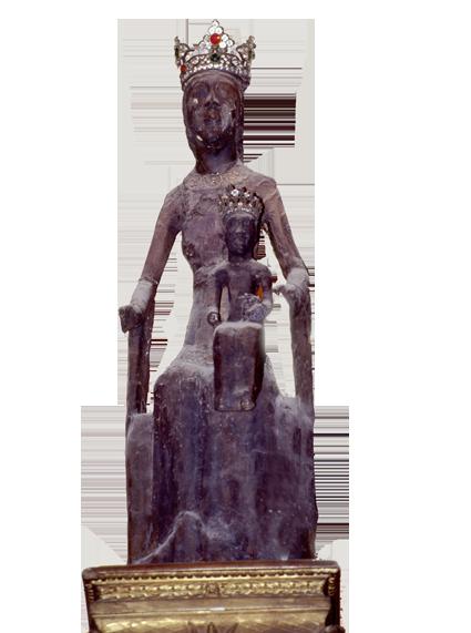 La statue de Notre Dame de Rocamadour revêtue de ses atours...