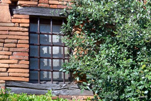 Espanès en 31 : clocher et portes ... n1