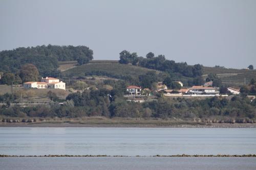 Port Lamarque 33