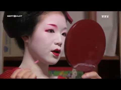 Geisha, le crépuscule des fleurs.