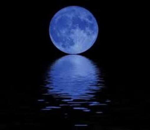 La LUNE BLEUE 2012 dans CHEMIN le MOINS FREQUENTE lune