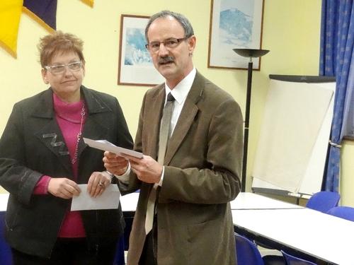 Une belle remise de chèques aux lycées et Collèges de la Ville par les trois Clubs Châtillonnais : Zonta, Lion's, Rotary