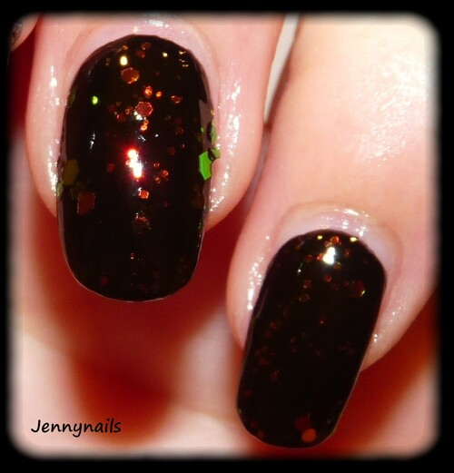 Swatch : Kleancolor - Chunky holo black
