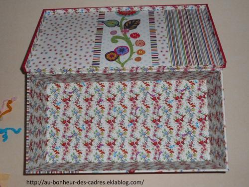 Cartonnage et crochet : boite de rangement et licorne