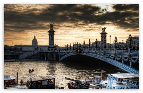 FRANCE. Paris Downtown, 4K  (Voyages)