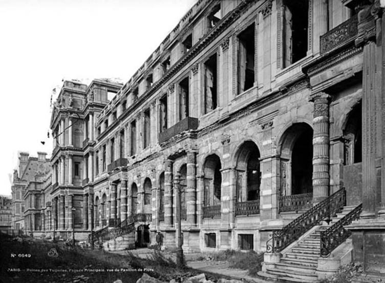 Une arcade du palais des tuileries reconstruite dans le - Comptoir des tuileries cours de l or ...