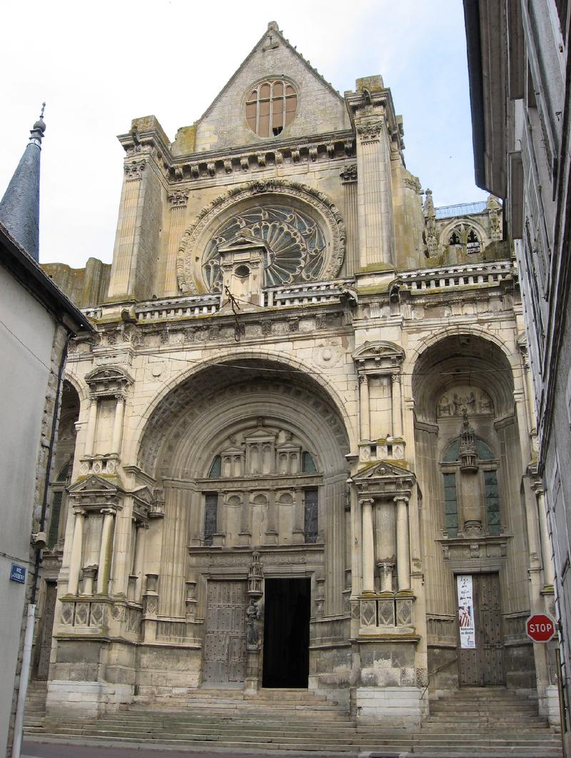 VILLENEUVE SUR YONNE (Yonne) : suite 1