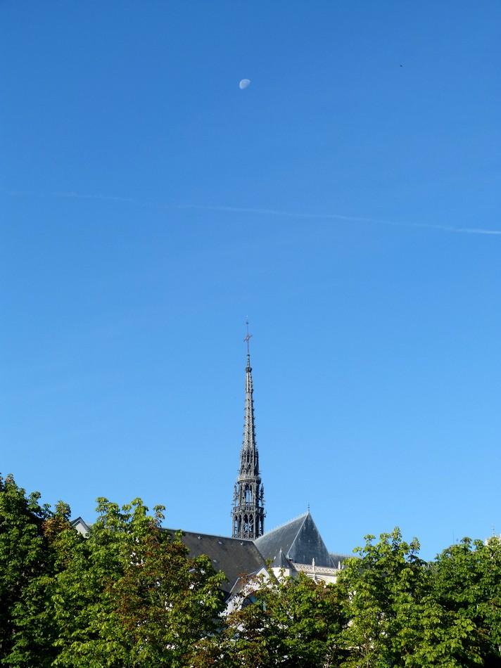Fille aînée à Amiens