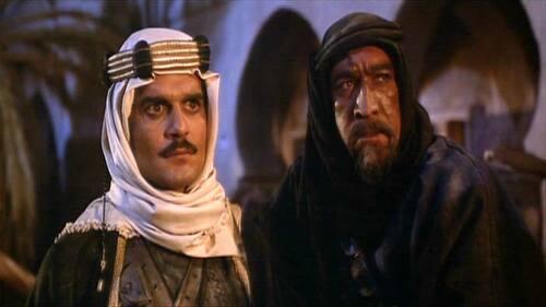 Omar Sharif et Anthony Quinn dans l'Awrence d'Arabie