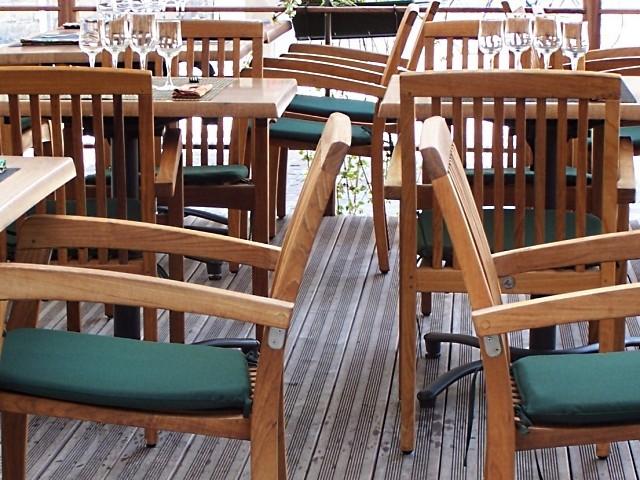 Sièges et chaises 9 - 5 Marc de Metz 23 07 2011