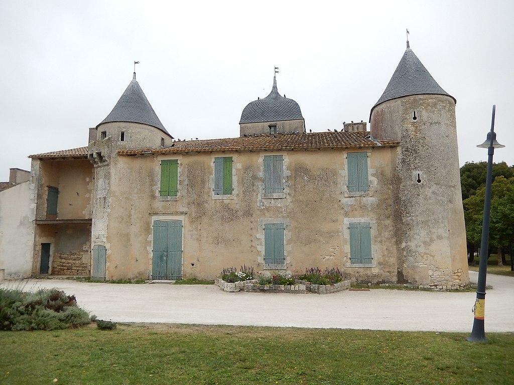 FR 17 Saint-Pierre-d'Oléron - Château de Bonnemie 02.jpg