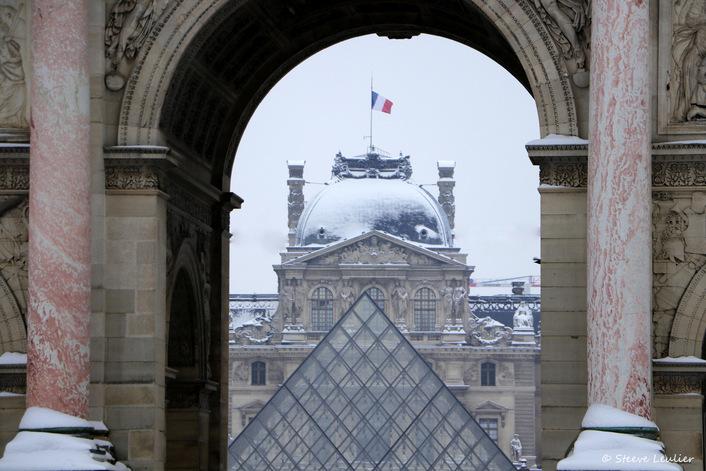 Neige sur le Louvre, Paris 2018