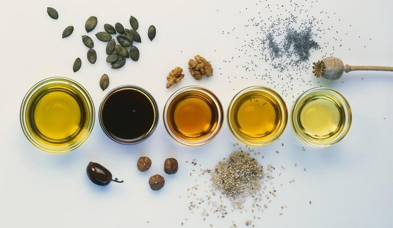 Bain d'huile pour cheveux : quelles huiles végétales choisir ?