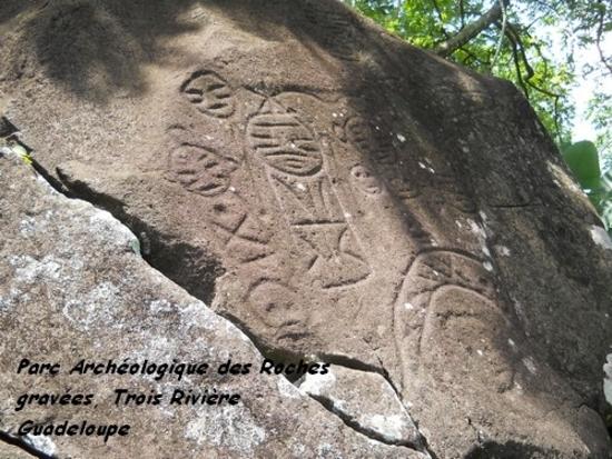 parc archéologique des roches gravées (trois rivière).j (12)