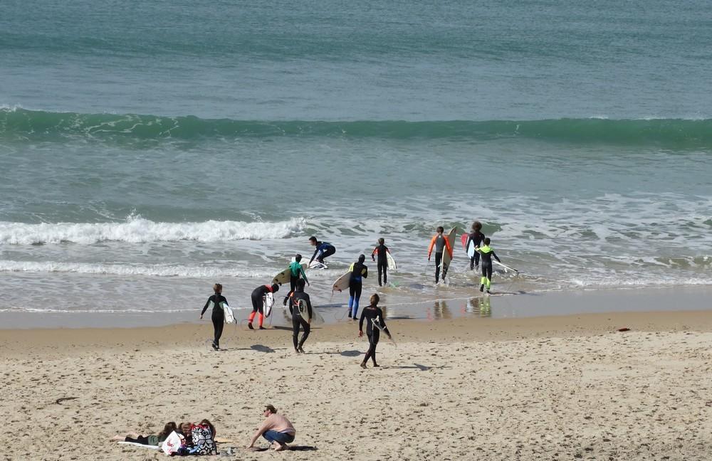 Apprentis surfeurs au Porge...