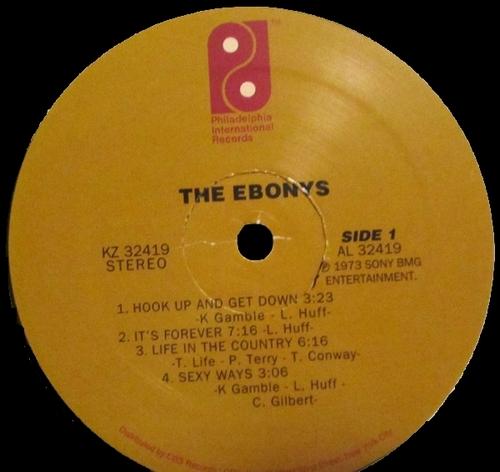 "1973 : The Ebonys : Album "" The Ebonys "" Philadelphia International Records KZ 32419 [ US ]"