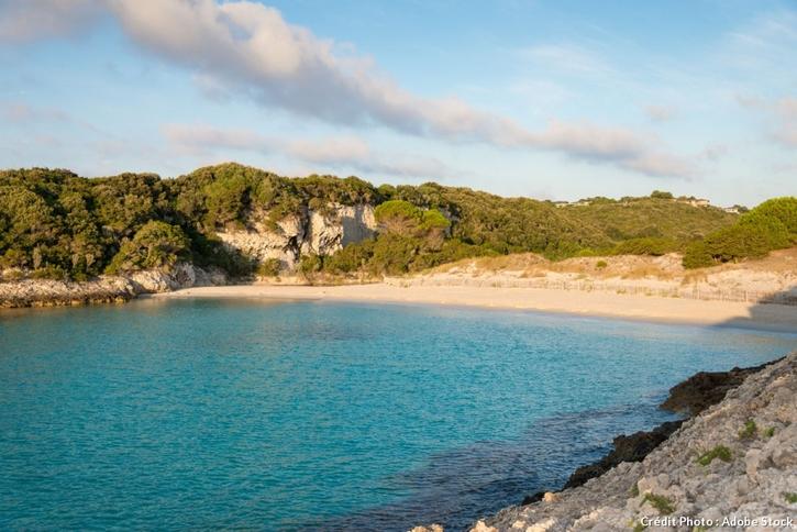 La plage du petit Sperone, en Corse-du-Sud