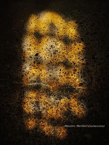 Reflet Vitrail sur le sol de la cathédrale de Cahors