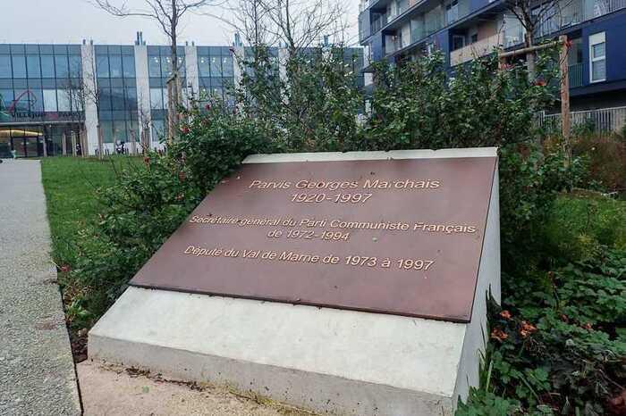 A Villejuif, finalement, le parvis   Georges-Marchais gardera son nom