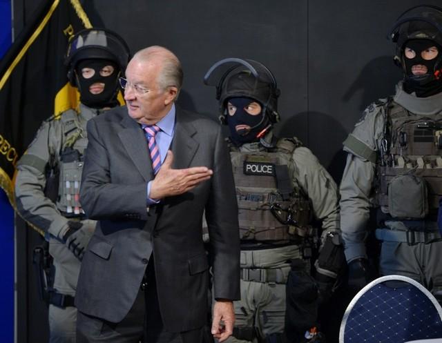 Albert et la police