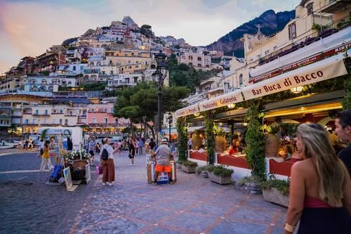 POSITANO (Italie) Promenade fantastique à pied dans la ville (Voyages)