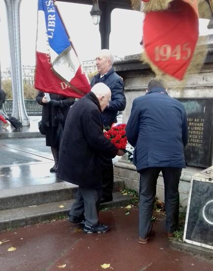 * Commémoration et dépot de gerbes au monument  Brosset  et de la 1ère DFL  au pont de Bir Hakeim à Paris