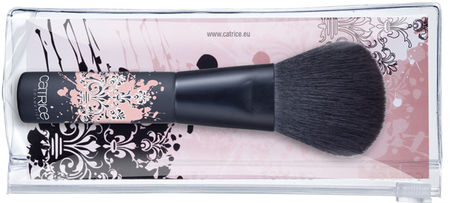 Catrice_Winter_2011_Urban_Baroque_illuminating_powder_brush