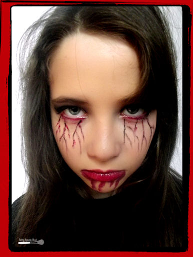 Photo maquillage vampire 20170803220536 - Maquillage vampire petite fille ...