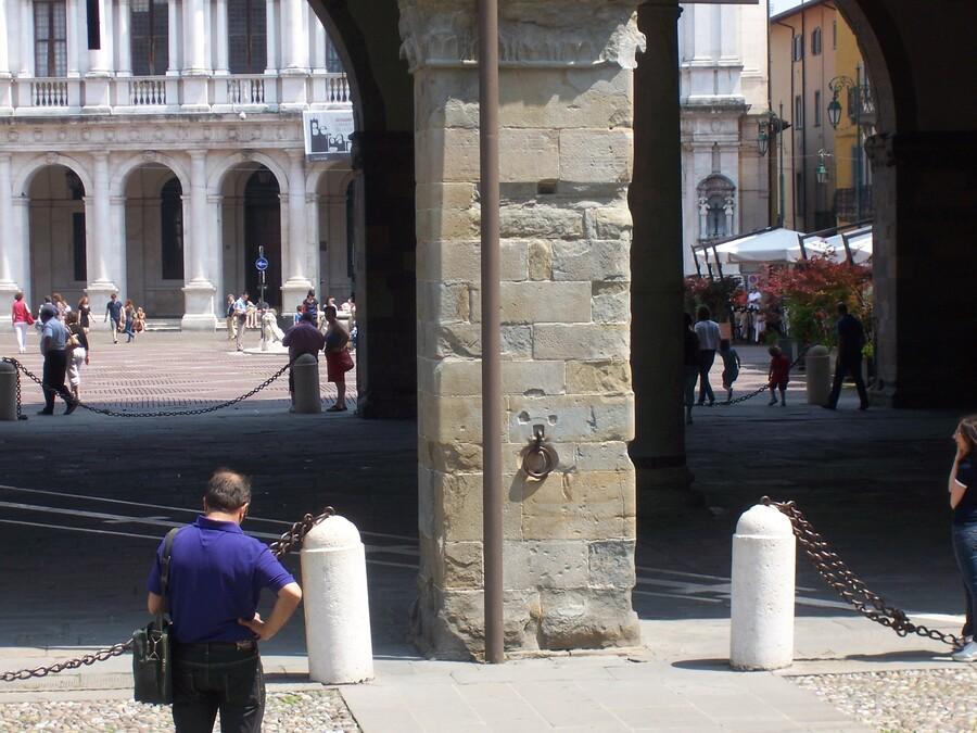 LA   BELLE   VILLE   DE    BERGAM   EN   ITALIE    (2)