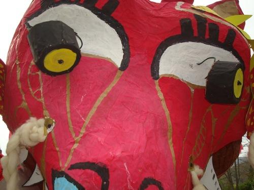 --- Carnaval de Saillans - gros plan sur le monstre ---