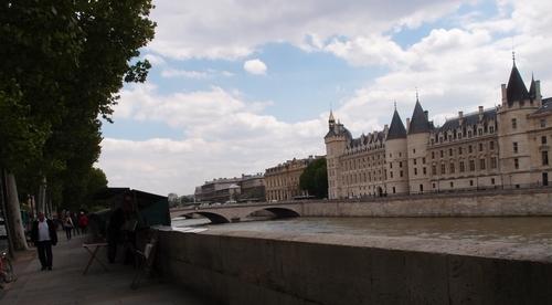 Paris - La Conciergerie et le pont au Change
