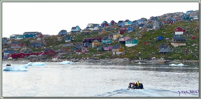 Pour les 232 visiteurs montés à bord, le moment est arrivé de regagner Kullorsuaq - Groenland