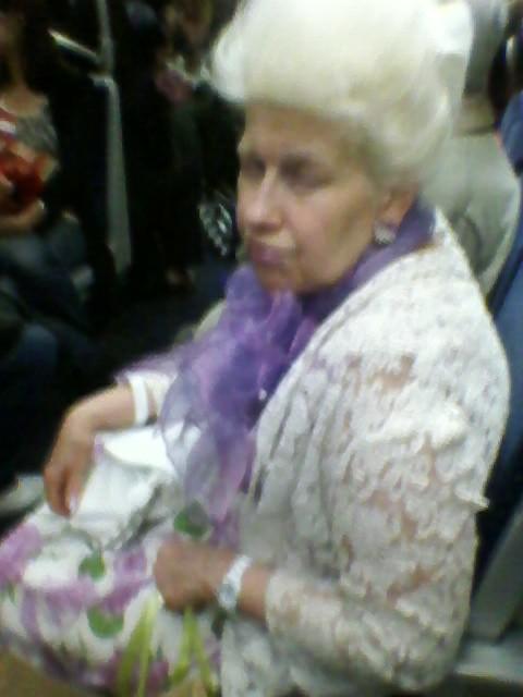 Dame du métro