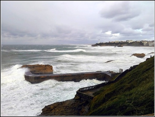 Tempete sur le littoral basque