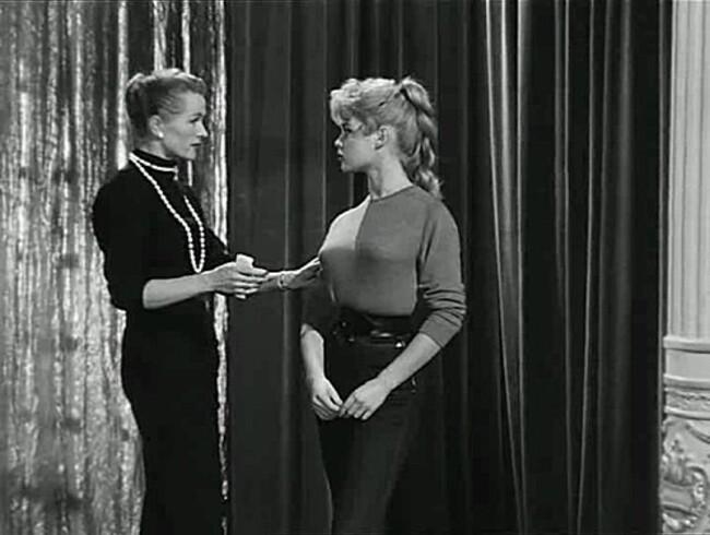 BRIGITTE BARDOT - LA MARIEE EST TROP BELLE  -1956