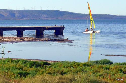 Barcarès : un voilier sur l'étang