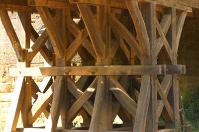 Blog de dyane :Traces de Vie, Poutres soupirent sous pont...