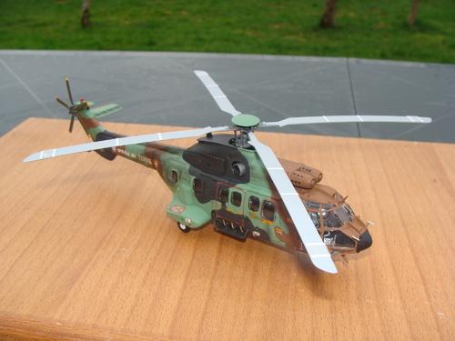 Maquette hélicoptère AS 532 Cougar/Super Puma au 1/72