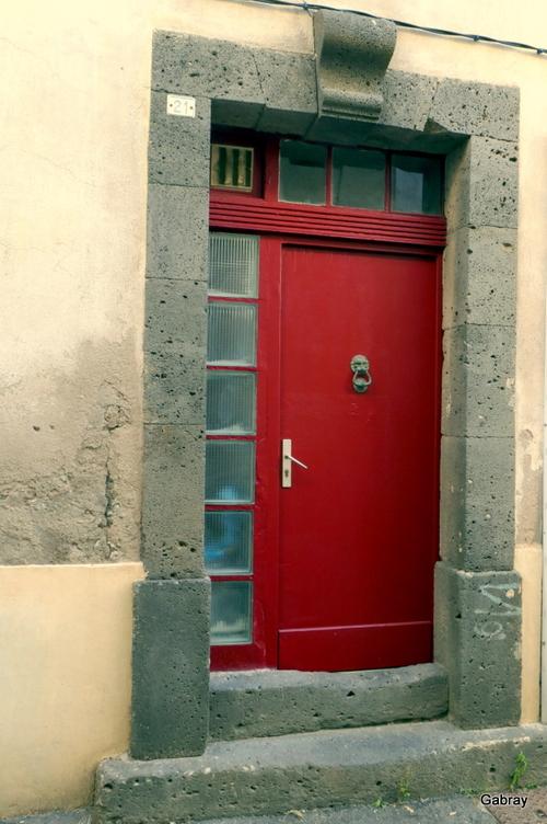 Vias: portes et heurtoirs