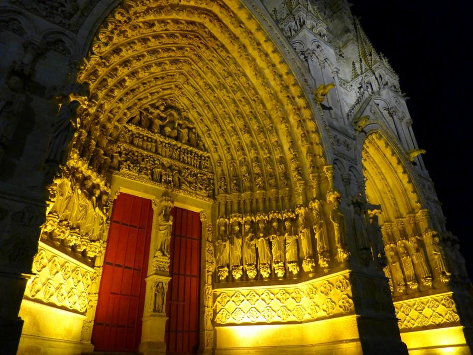 La Cathédrale d'Amiens illuminée