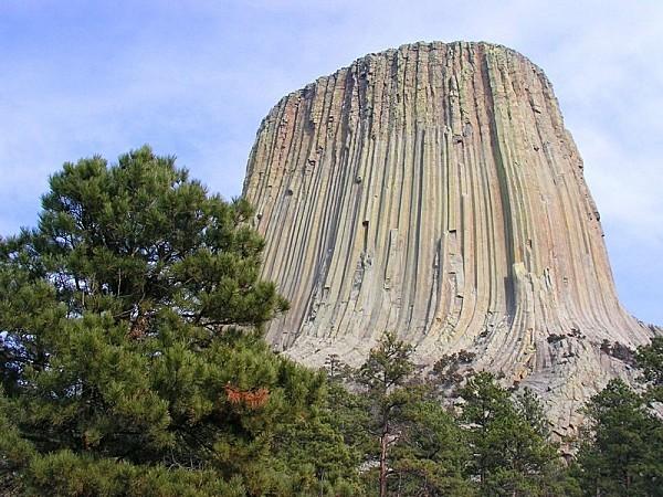 devils-tower-Wyoming-USA.jpg
