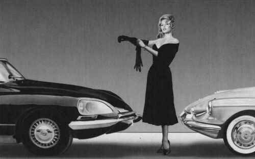 La voiture et la femme dans la pub