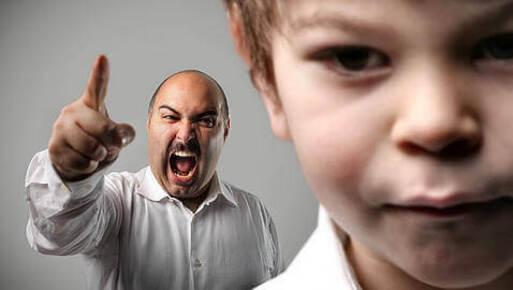Des pères autoritaires sont des parents absents.