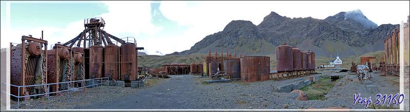 L'ombre a envahi Grytviken, ce qui accentue le sinistre de ces lieux où des milliers et des milliers de baleines, autres mammifères marins et oiseaux ont fini dans ces fours à huile - Géorgie du Sud