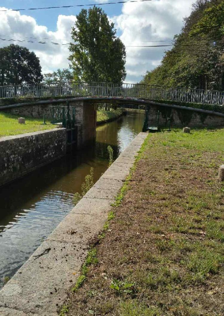 Une semaine le long du Canal de Nantes à Brest ....