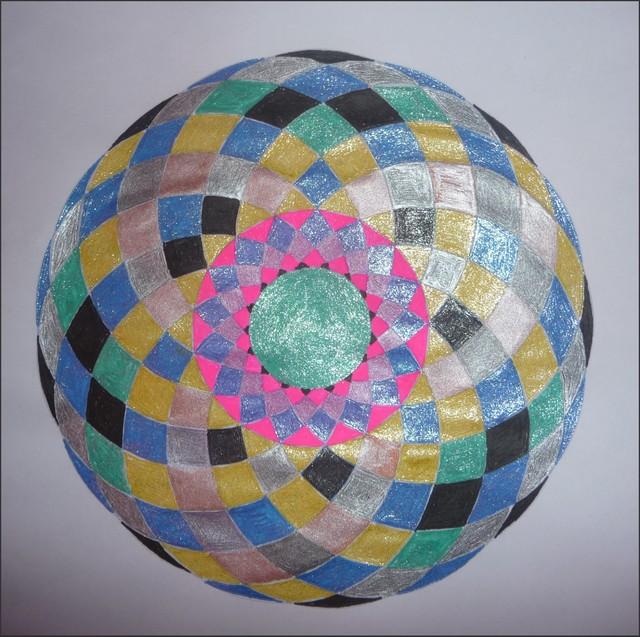 Blog de mimipalitaf : mimimickeydumont : mes mandalas au compas, mandala mimipalitaf suspendu