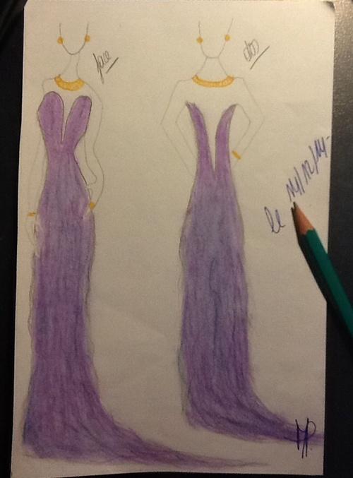 40° dessin d'une longue robe bustier violette aux reflets bleus (a long purple dresses)
